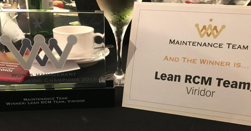 Viridor winning Maintenance award card & trophy photo